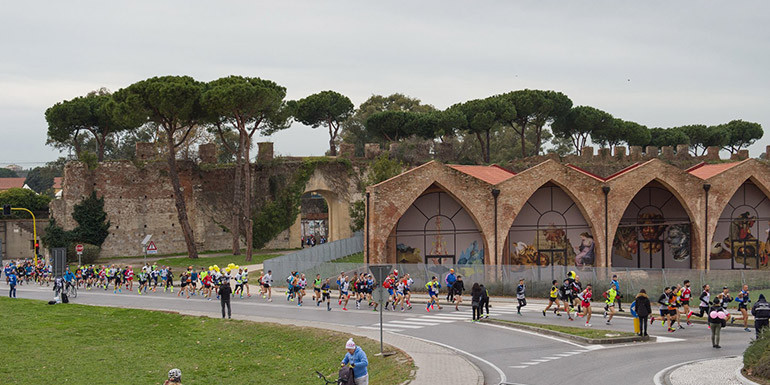 Pisa Marathon slide